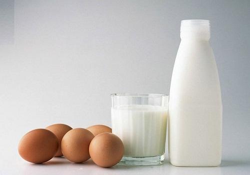 Trẻ hóa da với sữa tươi và trứng gà