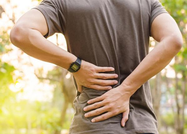 Sút lưng được biết đến là những cơn đau cấp tính