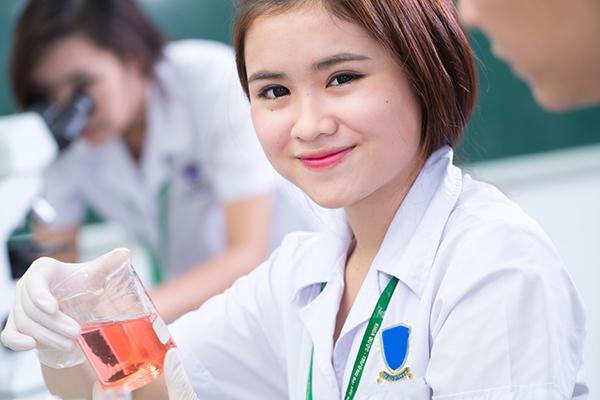 Những lợi ích từ việc học Văn bằng 2 Cao đẳng Dược tại Hà Nội