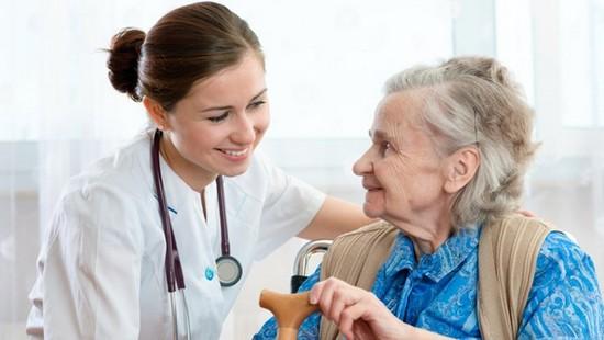 Điều dưỡng đóng vai trò quan trọng trong ngành y tế