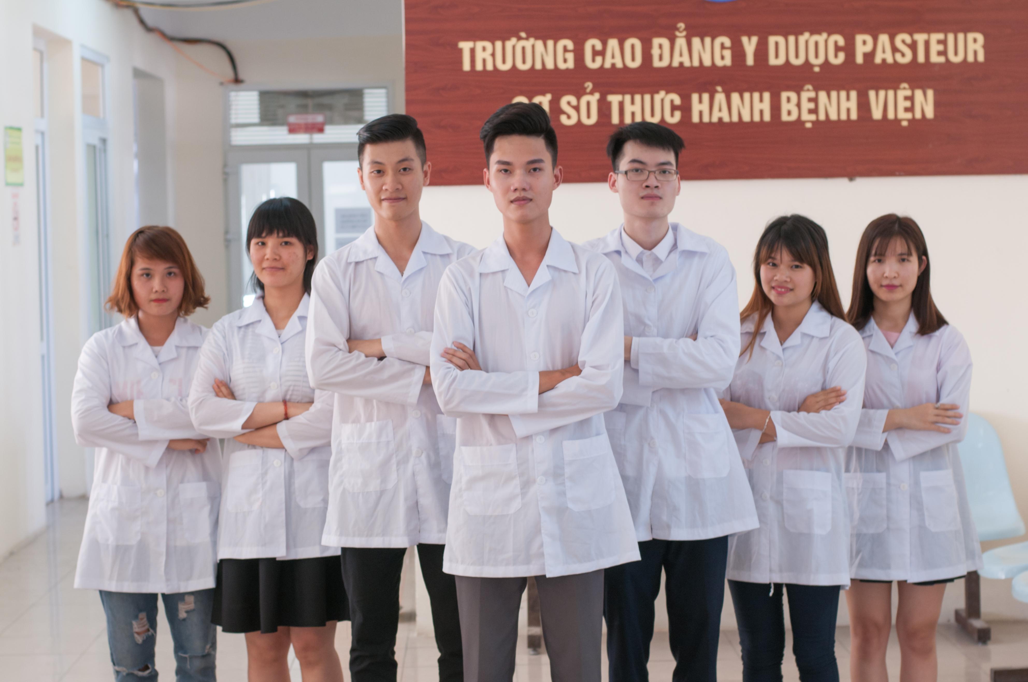 Điểm chuẩn Trường Cao đẳng Y Dược Pasteur năm 2018 là bao nhiêu?