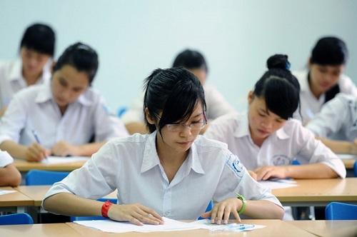 Thí sinh phải nộp lại đề thi trước khi thi môn tiếp theo