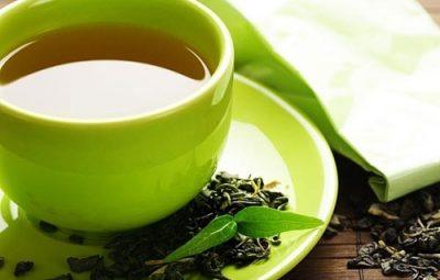 Nước trà xanh trị nám